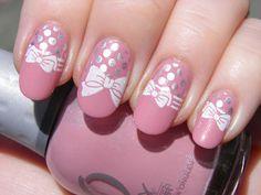 Pink polish, pretty bows and polka dots - YUM!