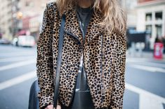i cant find my leopard jacket! :(   i miss youuu