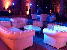 ALMA PROJECT - Chesterfield White Sofa @ Castello di Vincigliata - Moving Heads - Courtyard