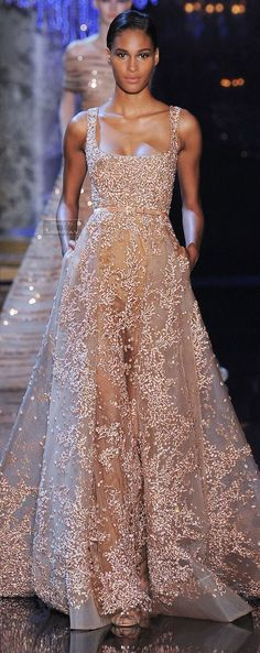 This dress is so beautiful!!!!!!!