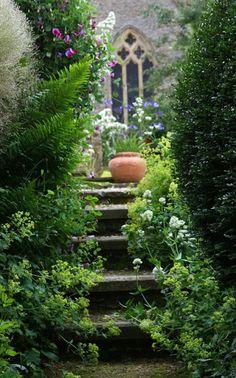 My Secret Garden Via LadyLuxury