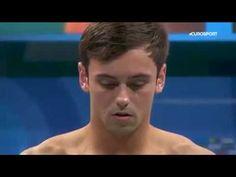 Tom Daley é ouro na plataforma de 10m em Budapeste