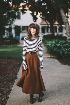 Simple Winter Mornings: Forever 21 striped shirt, Oasap A-Line brown skirt, and vintage brown boots, add black scarf & gloves for warmth Long Skirt Outfits, Modest Outfits, Modest Fashion, Winter Outfits, Cute Outfits, Fashion Outfits, Fashion Trends, Long Wool Skirt, Wool Skirts