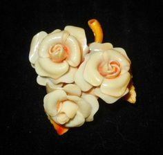 CELLULOID 3 ROSES DIMENSIONAL PIN