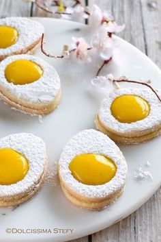 Ecco gli Easter Eggs Cookies - https://blog.giallozafferano.it/dolcissimastefy/easter-egg-cookies/