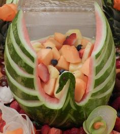 #Watermelon bowl/basket carving. Swan. Inspiration. Fruit Salad. #Summer