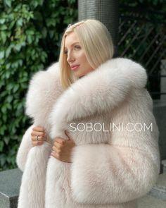 Clueless Outfits, Girly Outfits, Fox Fur Coat, Fur Coats, Fabulous Furs, Cute Jackets, White Fur, Fur Fashion, Fur Jacket