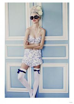 wildfox-marie-antoinette-glasses-fashion-03