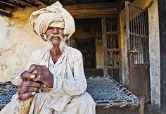 #Rabari #Gujarat#india#indiaphotographyclub #_coi #traveldesi #lonelyplanetindia #desi_diaries #_soi #brickworkers #labour #labor #work #india_ig #travelrealindia#click_india_click #dslrofficial#streetphotographyindia#PEOPLE_INFINITY