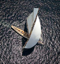 Nice shot of this wonderful classic sailing yacht Boating Holidays, Cruise Holidays, Classic Sailing, Classic Yachts, Catamaran, Super Yachts, Yacht Boat, Pontoon Boat, Yacht Design