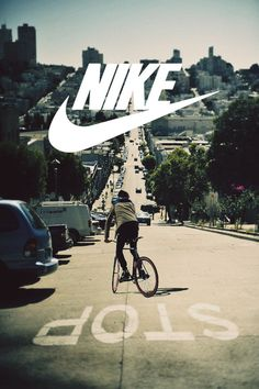 Image uploaded by Irina Tschebinowa. Find images and videos about nike on We Heart It - the app to get lost in what you love. Wallpaper Animes, Nike Wallpaper, Anuncio Nike, Running Shoes Nike, Nike Shoes, Cr7 Jr, Camisa Nike, Curvy Petite Fashion, Nike Free Runners