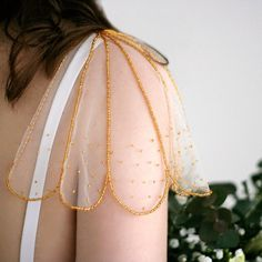 Detach sleeves for wedding dress Shoulder jewelry Bridal cape vail PIA GOLD - Detachable cap sleeves for a wedding dress. Ideal for dresses with shoulder straps or sleeveless dr - Estilo Fashion, Diy Fashion, Ideias Fashion, Fashion Outfits, Fashion Design, Fashion Goth, Unique Fashion, Couture Fashion, Love Fashion