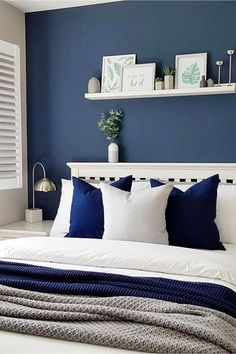 How To Decorate Your Room WITHOUT Buying Anything. Paint ONE wall in room a different color for a beautiful accent wall - how to decorate your room without buying anything. How To Decorate Your Room WITHOUT Spending Money Blue Master Bedroom, Blue Bedroom Walls, Blue Bedroom Decor, Blue Rooms, Bedroom Colors, Home Bedroom, Modern Bedroom, Bedroom Ideas, Bedroom Furniture