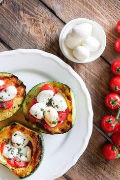 Low Carb Zucchini mit Tomate-Mozzarella