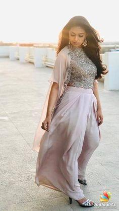 Keerthy Suresh Beautiful HD Photoshoot Stills & Mobile Wallpapers HD Indian Actress Photos, Indian Film Actress, Most Beautiful Indian Actress, Beautiful Actresses, Sonam Kapoor, Deepika Padukone, Bollywood Actress Bikini Photos, Churidar Designs, Lehenga Designs