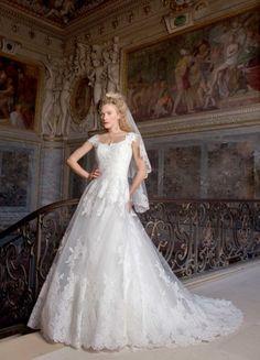 vestido de noiva de manga curta estilo princesa de Fontainebleau cymbeline 2016