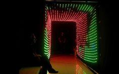 MAISON DE L'ARCHITECTURE DE FRANCHE-COMTÉ // Tunnel sonore Fête de la musique 2014. Dispositif lumineux par Alter&Coop