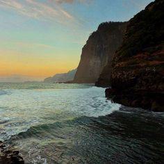 Aquele por do sol pra nunca mais esquecer na Ilha da Madeira em Portugal #mydestinationanywhere