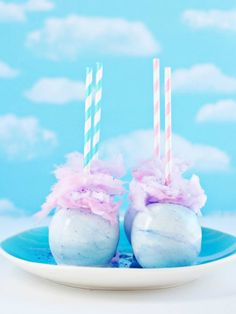 Whimsical Pastel Swirl Cotton Candy Apples~AMAZING! So making these for a party...or for no reason at all! Now, to get my hands on some white food color.