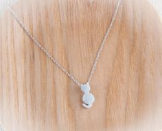 tiny cat necklace in gold / silver  for @Danielle Singer Hardwick & @Beth Hudson