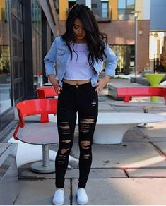 Frauen Outfits Damen Jeans aktuelle Trends - Aktuelle Trends Source by outfits with jeans for school Teen Girl Outfits, Teen Fashion Outfits, Mode Outfits, Spring Outfits For Teen Girls, Teen Winter Outfits, Ladies Outfits, Ladies Jeans, Ladies Clothes, Tween Fashion
