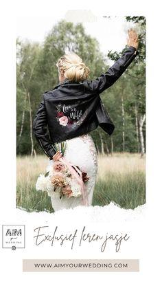 Ieder jasje van AIM your WEDDING is uniek, vooral als het hand beschilderd is. Dit jasje is te koop en met een personalisatie snel in je bezit te krijgen. Kies je voor het schilderen van jouw bloemkeuze en jouw tekst informeer dan naar de mogelijkheden of check de website. Jouw eigen jasje kan je insturen. Movie Posters, Wedding, Valentines Day Weddings, Film Poster, Weddings, Marriage, Billboard, Film Posters, Chartreuse Wedding