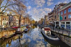 Questo itinerario mostra le più belle città di Olanda e Fiandre: Amsterdam, Anversa, Ghent and Bruges, in cui si può ancora percepire lo splendore dei tempi passati.