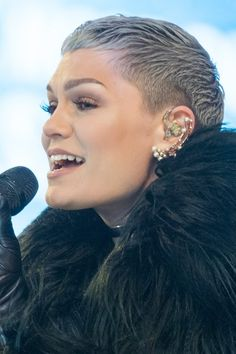 Jessie J's Hairstyles & Hair Colors | Steal Her Style