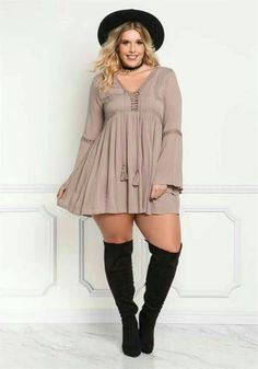 Moda Plus-size - Vestido + Bota