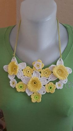 ElinorHandmade / Tri narcisy Ale, Crochet Necklace, Handmade, Jewelry, Fashion, Hand Made, Jewlery, Moda, Crochet Collar