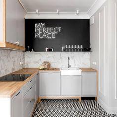 Szara kuchnia z elementami drewna 😻#photo #interior123 #instahome #kitchen #wood #gray #perfecto #fooddesign #design #lifestyle #geometric #white #home #scandinavian #archilovers #architecture #cook #style