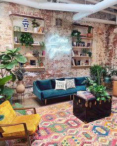 30 lovely bohemian living room design and decoration for feeling 8 Bohemian Living Rooms, Living Room Decor, Bedroom Decor, Living Room Brick Wall, Cozy Eclectic Living Room, Retro Living Rooms, Cozy Living, Modern Living, Wall Decor