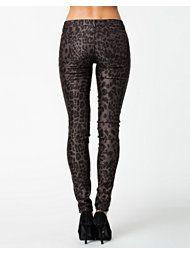 sale april 2014 Shorts, Pants, Fashion, Moda, Trousers, Fashion Styles, Women Pants, Women's Pants, Fashion Illustrations