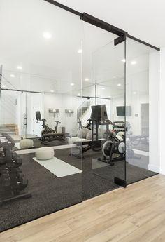 Home Gym Basement, Gym Room At Home, Home Gym Decor, Basement Workout Room, Modern Basement, Home Gym Design, Dream Home Design, House Design, Dream House Interior