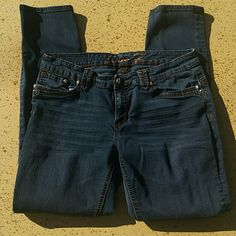 """Seven7 Denim Jeans Brand: Seven7.  99% Cotton, 1% Spandex. Tagged as Size 10. Actual measurements when laying flat, waist: 32"""", inseam: 29.5"""", rise: 7"""". No rips, tears, flaws, or defects.  Comes from a smoke free home. Seven7 Jeans Straight Leg"""