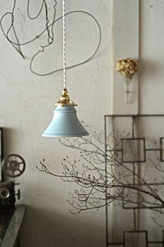 陶器のランプシェード 白藍色|照明(ライト)・ランプ|カタチ製作所|ハンドメイド通販・販売のCreema