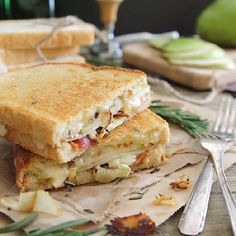 Pear, Bacon & Brie Grilled Cheese with caramelized onions. The ultimate lunch sandwich. Pear, Bacon & Brie Grilled Cheese.