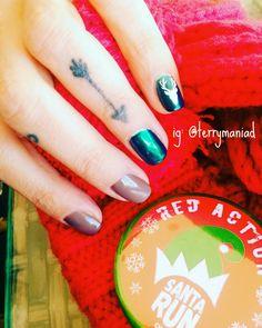 #naildesign #handpainted #nailart #summernails #spacenails #chromenails #mirrornails