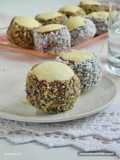Taste of life: Prhke šubarice Baking Recipes, Cake Recipes, Dessert Recipes, Milk Cookies, Cake Cookies, Cupcakes, Christmas Desserts, Christmas Baking, Croatian Cuisine
