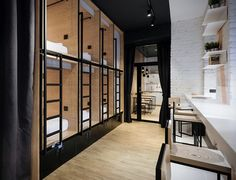 If you´re one of those adventure travelers that likes to travel light and requires only the bare essentials, the InBox Capsule Hotel is the perfect pitstop. Located in the heart of Saint-Petersburg, Russia, the unique hotel both minimises and maximis