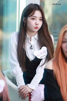 Kpop Girl Groups, Korean Girl Groups, Kpop Girls, Friend Of God, Prettiest Actresses, Red Velvet Irene, Fantasy Girl, Korean Actresses, Beautiful Asian Girls