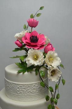 Wedding Cake by JarkaSipkova - http://cakesdecor.com/cakes/285740-wedding-cake