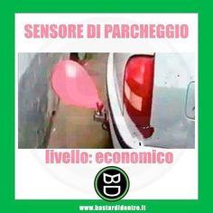 Meglio questo che rovinare l'auto! Seguici su youtube/bastardidentro #bastardidentro #palloncino #parcheggio www.bastardidentro.it