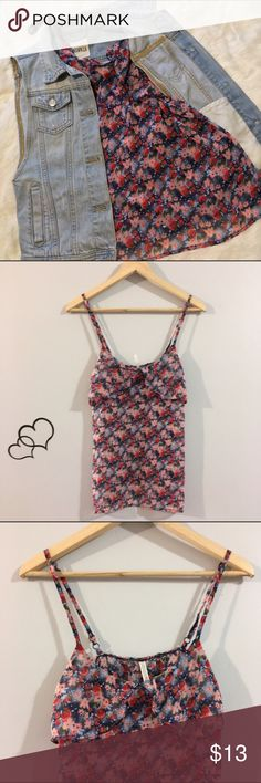 🔹5 For $25🔹Floral Tank Top Super cute with any pair of jeans! Fast shipping. Tops Tank Tops