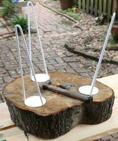 How to make rustic end tables in 2019 crafts house пни, мягк Log End Tables, Rustic End Tables, Side Tables, Coffee Tables, Tree Stump Side Table, Tree Table, Wood Stumps, Wood Trunk, Tree Stumps
