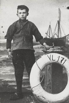 Vissersjongen uit Vlaardingen, ca 1910 #ZuidHolland #Vlaardingen