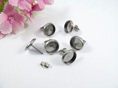 Ohrhaken - 30 Stück Edelstahl Ohrstecker für 10mm Cabochons - ein Designerstück von Perlenbraut- bei DaWanda