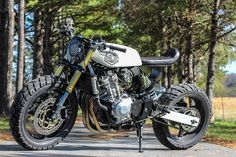 One Up Neo Vintage CB600 ~ Return of the Cafe Racers