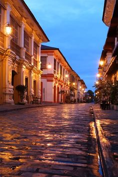 Visit Vigan, in Ilocos, Philippines! Known as a World Heritage site, it transverses from modern to beautiful, old Spanish cities. Vigan Philippines, Les Philippines, Philippines Travel, Philippines Destinations, Honeymoon Destinations, Quezon City, Places To Travel, Places To See, Places Around The World