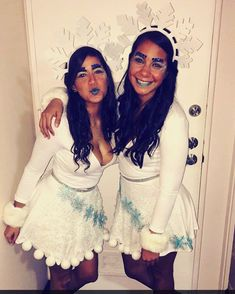34 Newest Winter Costume Ideas To Perfect This Winter Party Family Halloween Costumes, Group Costumes, Christmas Costumes, Diy Costumes, Costumes For Women, Costume Ideas, 90s Costume, Zombie Costumes, Halloween Couples